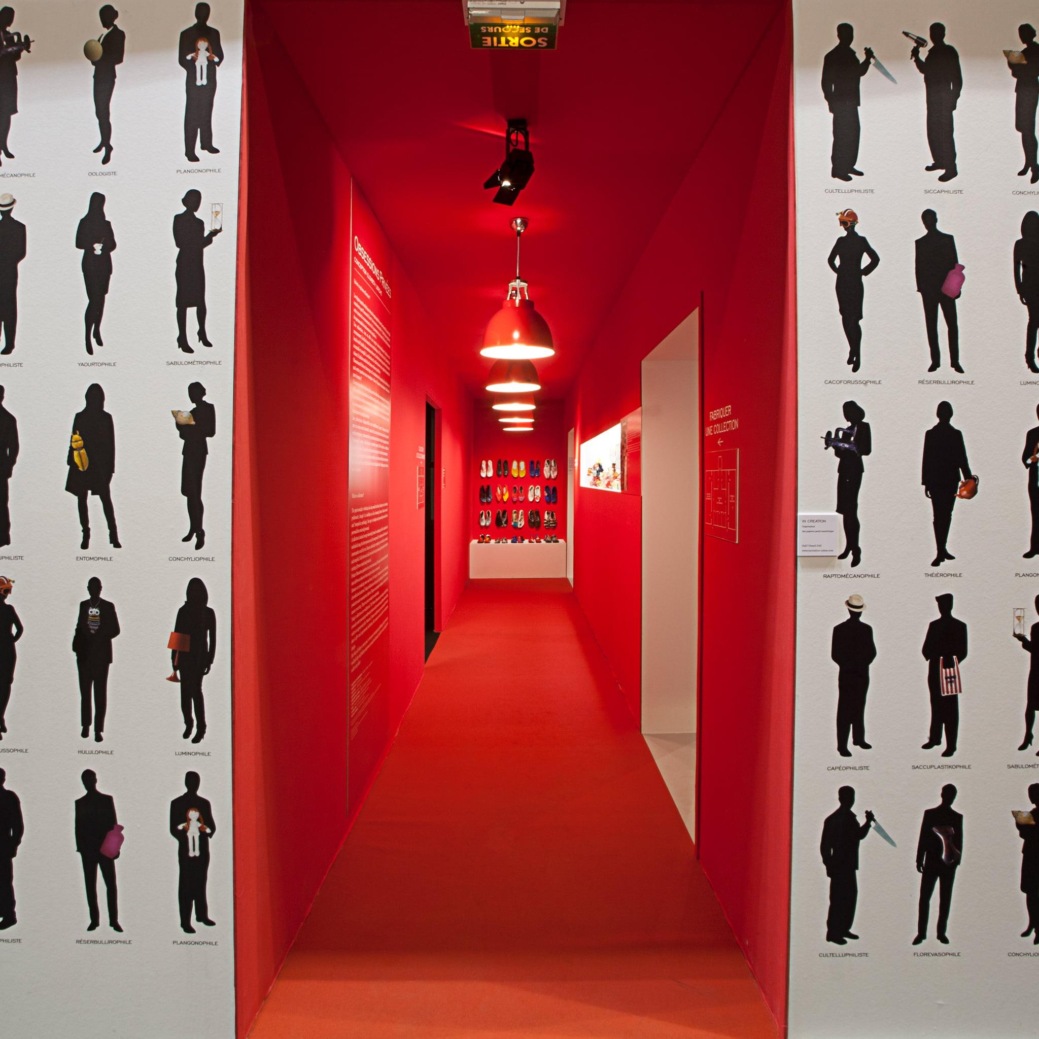 Obsessions-privees-singularite-maison-et-objet-red