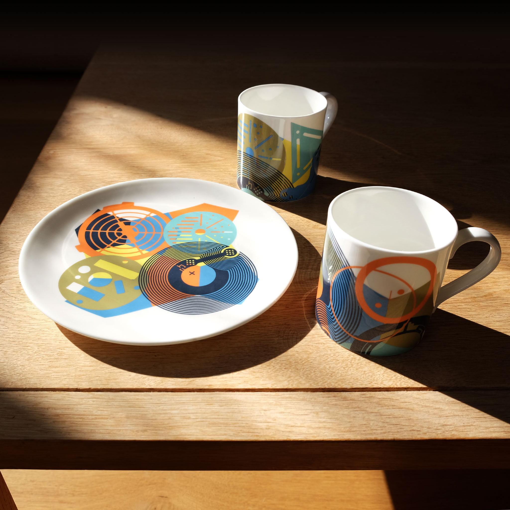 Mugs-and-plates-shadow-table-pic
